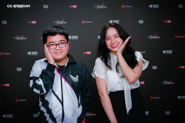 MC Kim Sa phỏng vấn Dia1